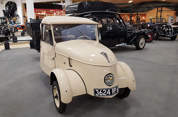 Voiture Peugeot electric 1941 VLV