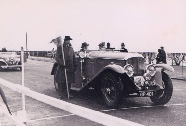 Resultado de imagen para francia autos clasicos demostración