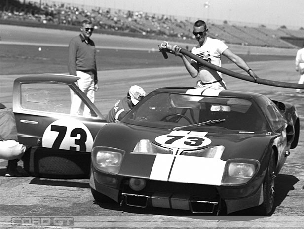 Ford GT 40  Carreras - Race Cars